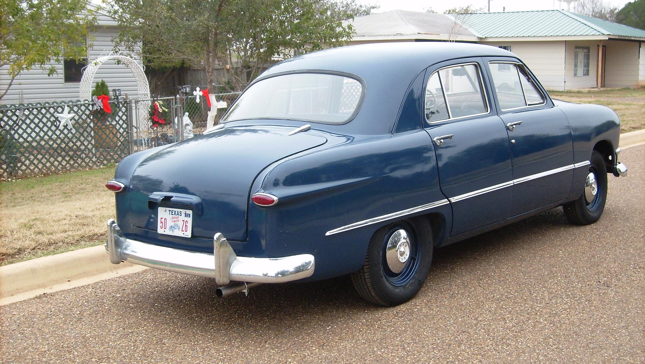 1950 Ford Deluxe Sedan