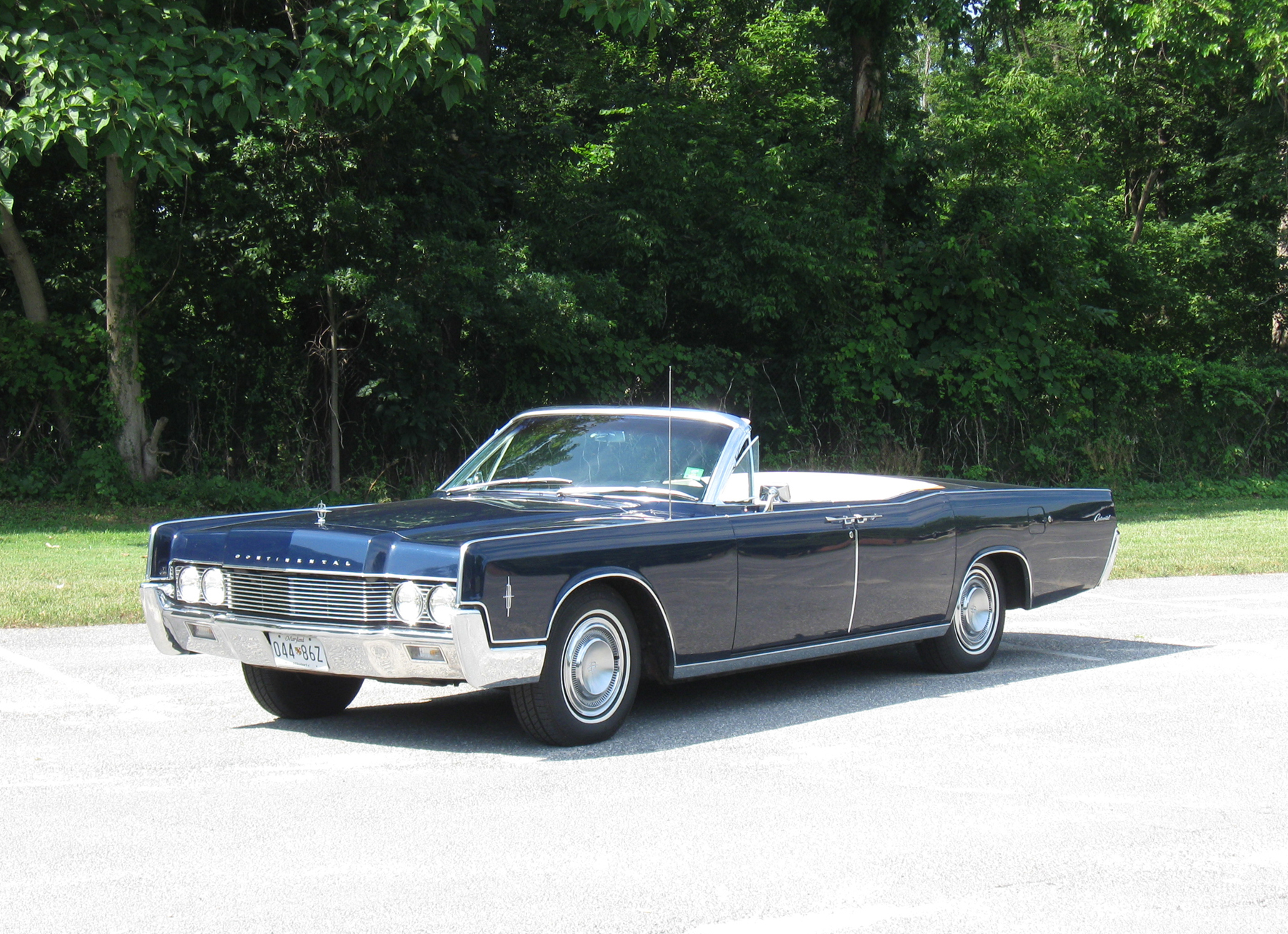 We Love Lincoln S Past Present And Future 1966 Lincoln Convertible