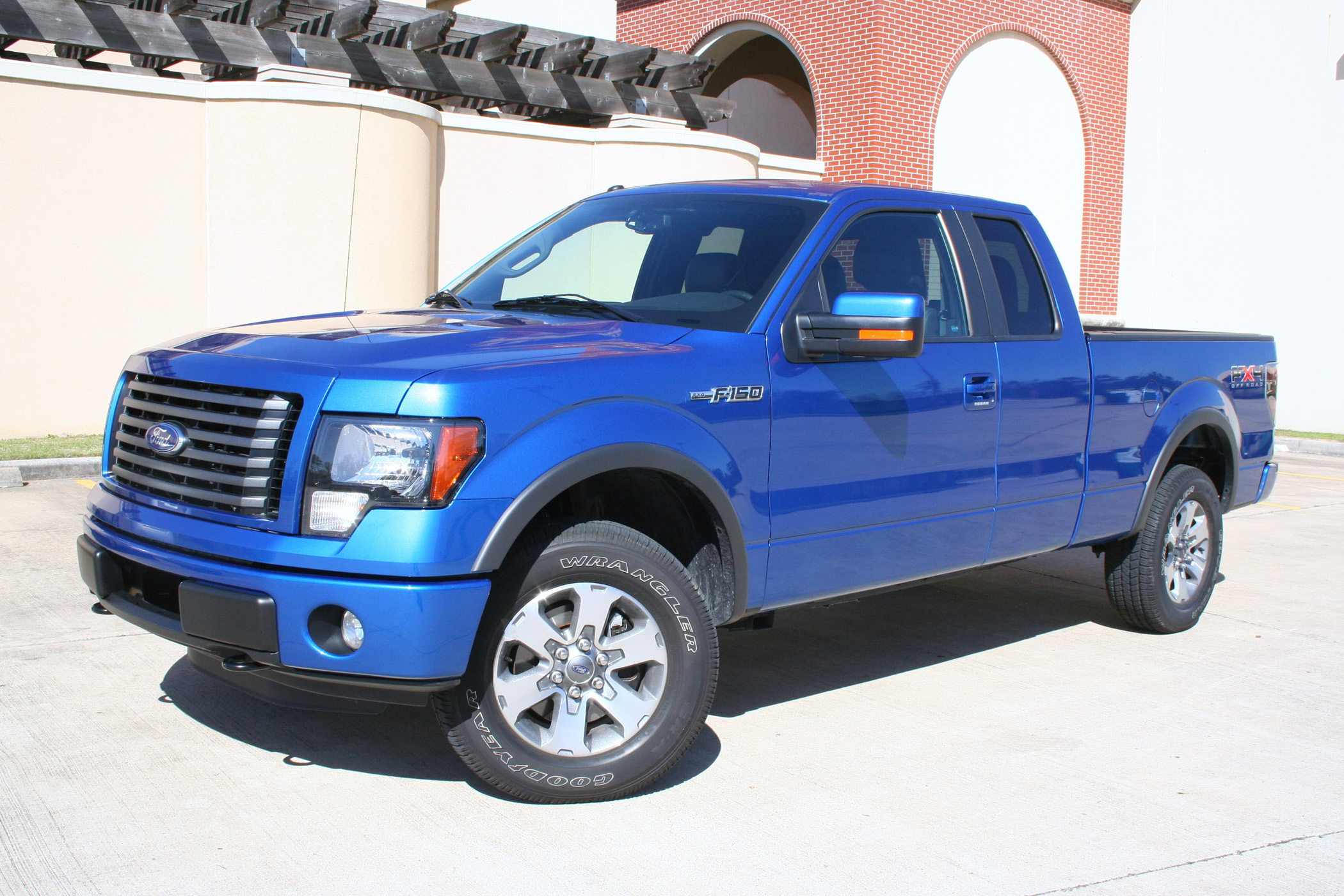 2011 Ford F-150 FX4 SuperCab Rugged and Refined 2011 Ford F150 FX4 – AskAutoExperts.com