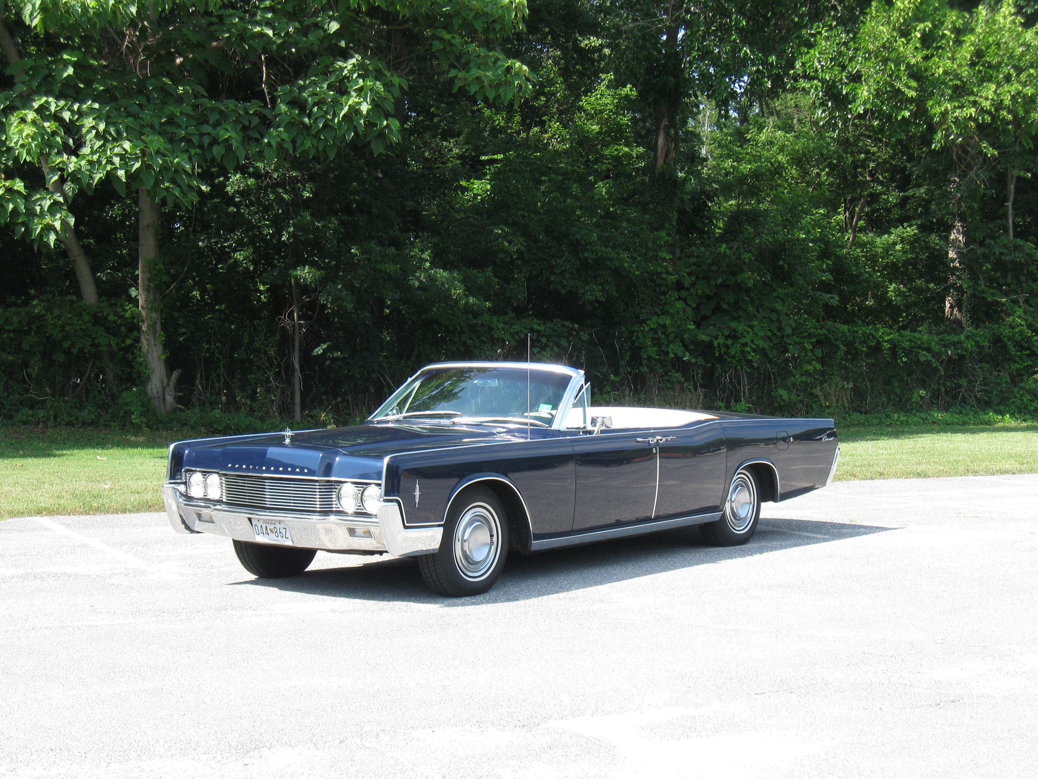 1966 Lincoln Convertible is Toy of Magnitude ...